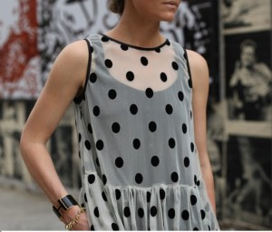 blusa branca e bolas pretas_23out13